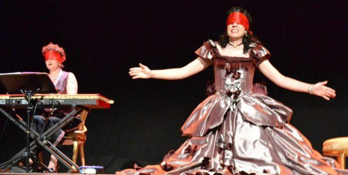 Elena Martinell i Glòria Garcès triomfen a Santa Cristina amb una òpera còmica