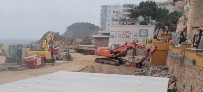 Pugna a Sant Feliu per la concessió del Palm Beach
