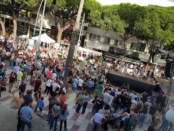 2.000 espectadors a la primera edició de Mod'Aro de Platja d'Aro que ha recaptat 1.900 euros per l'entitat Viu Autisme