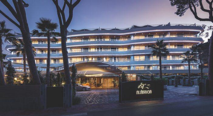 L'hotel Alàbriga pren impuls per al segon estiu a Sant Feliu