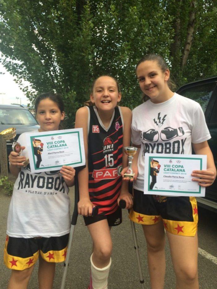"""Dues germanes de Sant Feliu s'imposen en la Copa Catalana de """"kick-boxing"""" infantil"""