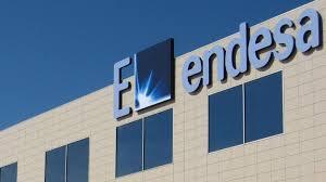 La companyia Endesa renova un centre de transformació a Castell-Platja d'Aro