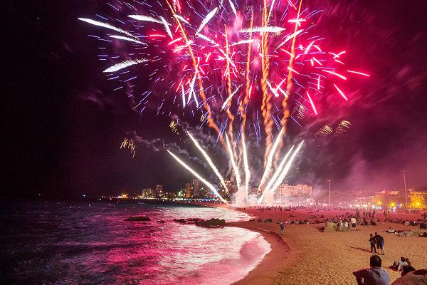 L'estiu ja és aquí i Castell-Platja d'Aro i S'Agaró es prepara per viure un cap de setmana de molta festa, foc i màgia, música, castells i activitats familiars