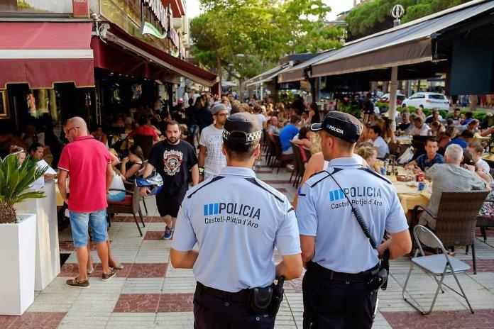 Detingut un fugitiu italià mentre comprava a una peixateria de Platja d'Aro