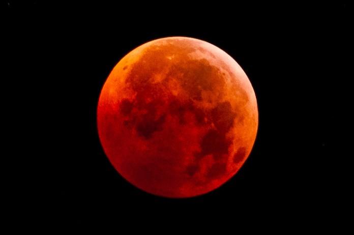 Com veure la Lluna de sang al Baix Empordà