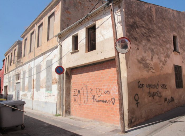 L'Ajuntament de Sant Feliu traurà l'amiant d'una nau abandonada al carrer del Sol