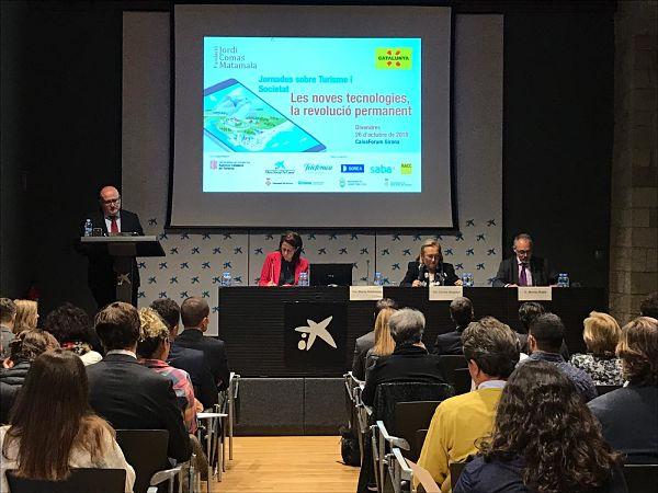 Un centenar de persones participen avui a una jornada per analitzar l'impacte de les noves tecnologies en el turisme organitzada per la Fundació Jordi Comas de Castell-Platja d'Aro