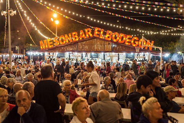 Comença el muntatge de la Festa de la Cervesa de Platja d'Aro que arrancarà aquest divendres amb l'objectiu de mantenir i superar els 25.000 visitants dels darrers anys