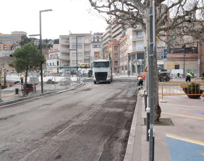 Tall viari a Sant Feliu per reasfaltar part del passeig del Mar