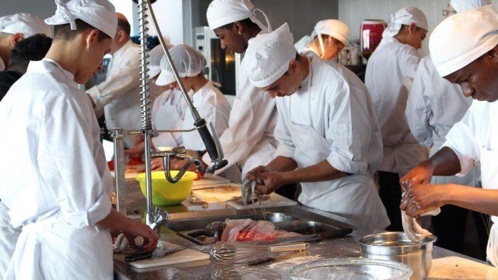 Platja d'Aro Professionals 2019 ofereix formació d'ajudant de cuina a quinze persones
