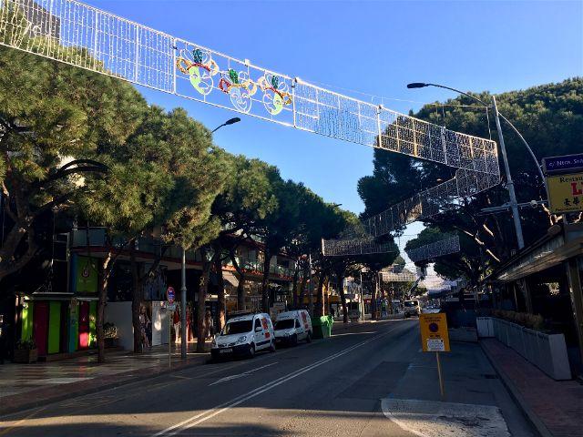 Castell-Platja d'Aro es prepara per viure el primer cap de setmana de Carnaval sota el regnat d'Els Collonuts que celebren el seu 30è aniversari