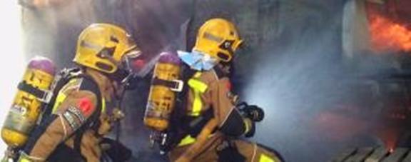 Crema durant més de tres hores un abocament de deixalles a Sant Feliu