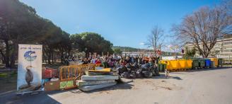 Recullen 2,3 tones de deixalles a la desembocadura del Ridaura a Santa Cristina