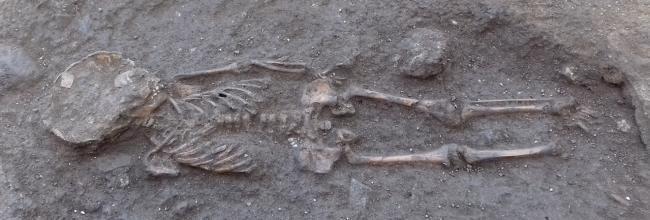 Troben un esquelet d'infant de l'època medieval a les excavacions de Romanyà