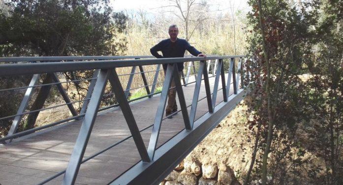 Construeixen una passera a la riera Malvet per millorar la ruta del Balcà de Santa Cristina
