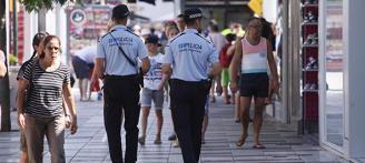 Deu policies porten el govern de Platja d'Aro als tribunals per no cobrar un plus