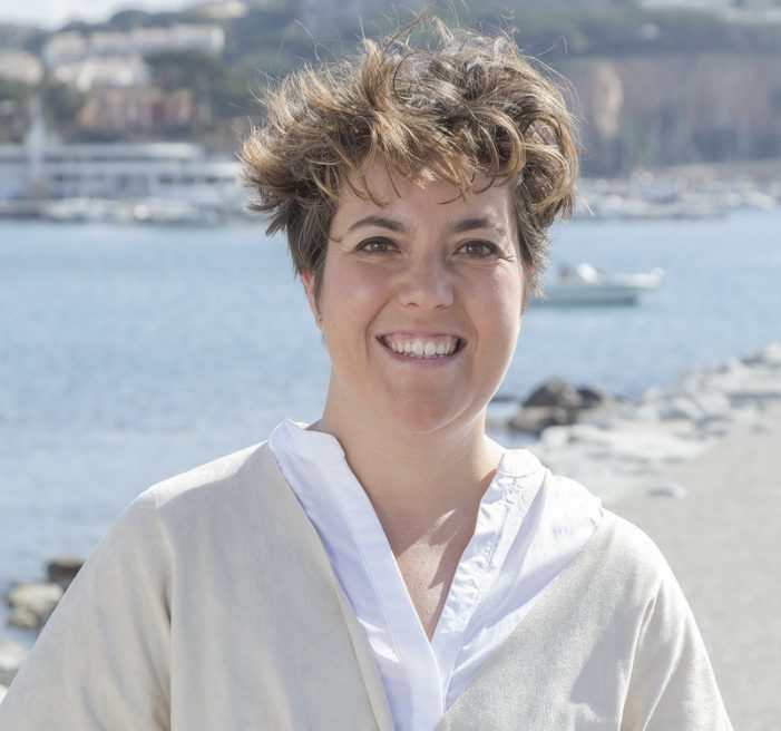 La periodista Núria Cucharero fitxa de 3 a Tots per Sant Feliu