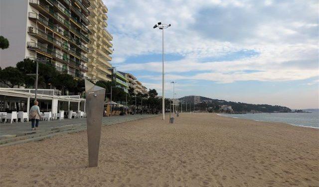 Castell-Platja d'Aro enceta la temporada turística amb les platges a punt pels banyistes