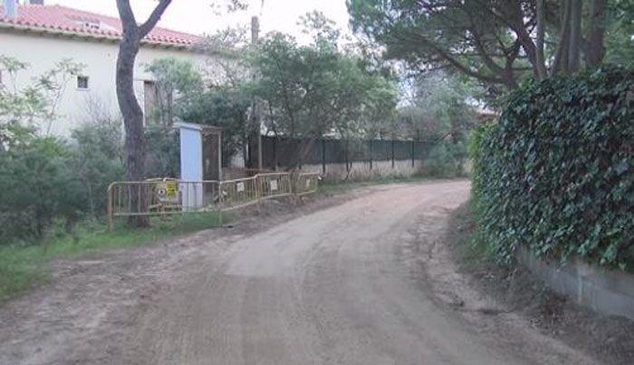 Pas endavant per urbanitzar el darrer carrer sense asfaltar de Sant Feliu
