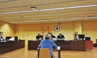 Jutgen un home acusat d'apropiació indeguda en la construcció d'una promoció a Sant Feliu de Guíxols