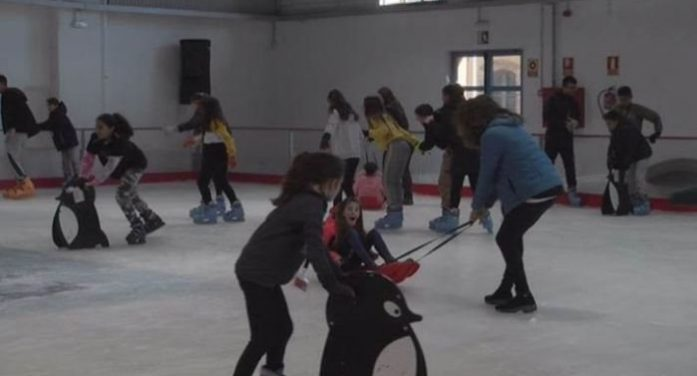 Gairebé 10.000 patinadors utilitzen les pistes de gel de Palafrugell i Platja d'Aro