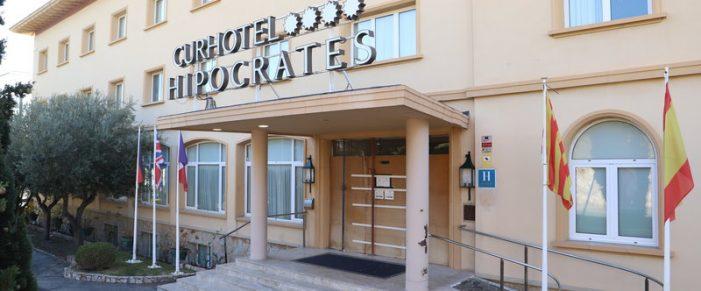 Tancament patronal, a Sant Feliu, de l'hotel Hipòcrates