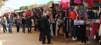 El mercat dels diumenges de Sant Feliu deixarà d'usar bosses de plàstic