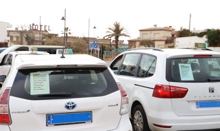 Els taxistes, en guerra contra hotels a Sant Feliu