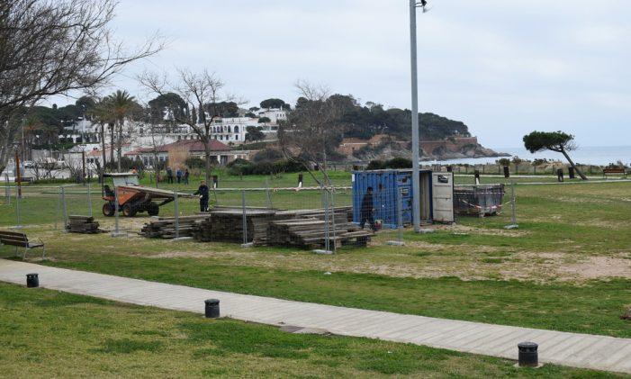 Continuen els treballs de la Brigada Municipal de l'Ajuntament de Sant Feliu de Guíxols al Parc de les Dunes de Sant Pol