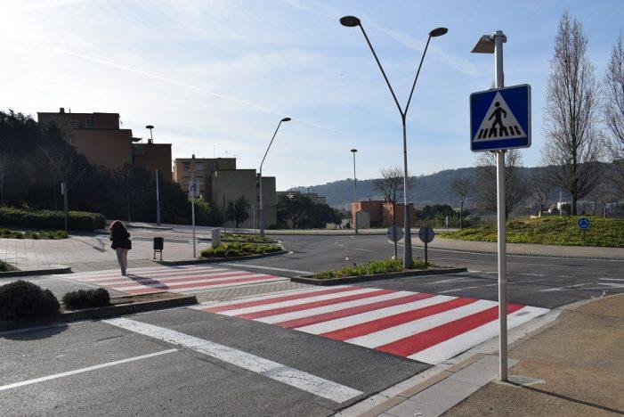 L'Ajuntament reforça la visibilitat dels passos de vianants de la ciutat