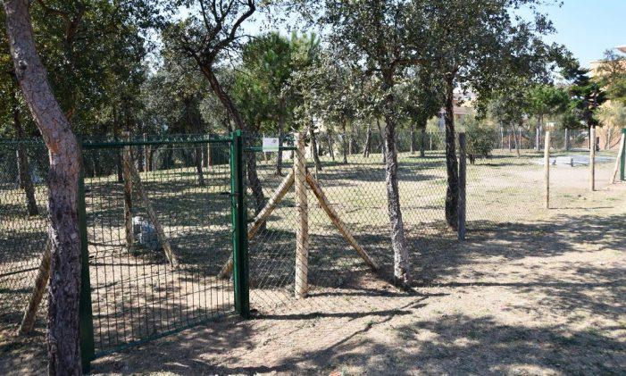A Sant Feliu,ja estan oberts els parcs de gossos