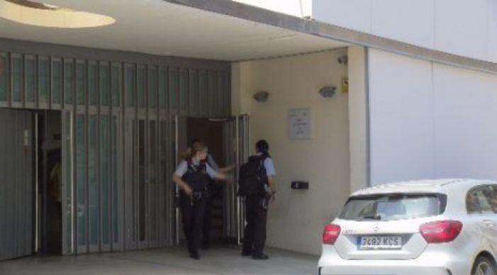 Passa a disposició judicial l'home acusat d'atacar la seva exparella amb sosa càustica