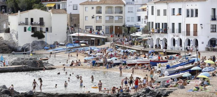 Palafrugell i Platja d'Aro són els municipis catalans que atrauen més visitants de Barcelona a l'estiu