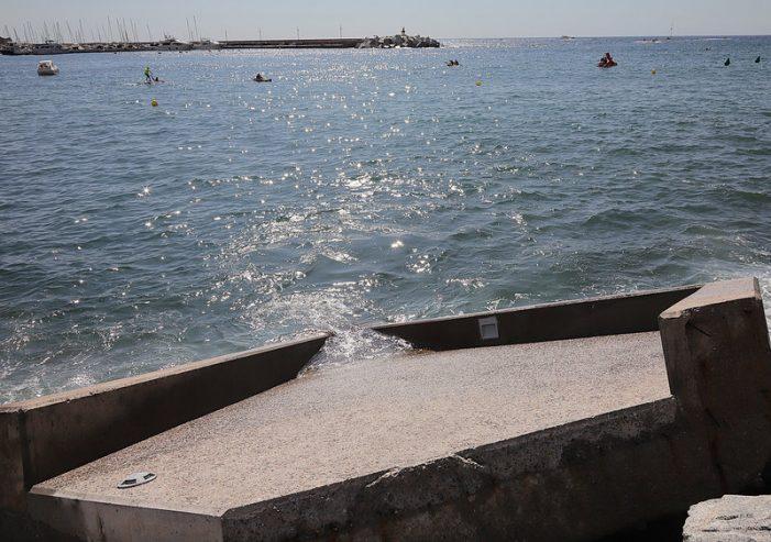 Reparació polèmica del passeig del moll de pedra