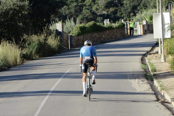 El ciclista professional Freddy Ovett intenta batre el rècord mundial de la modalitat Everesting