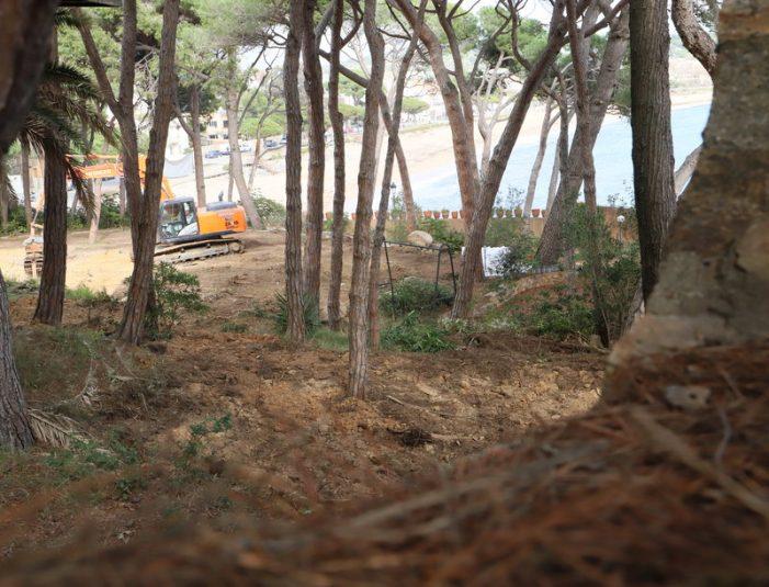 GdC impugna el permís d'obres dels apartaments a la platja de Sant Pol