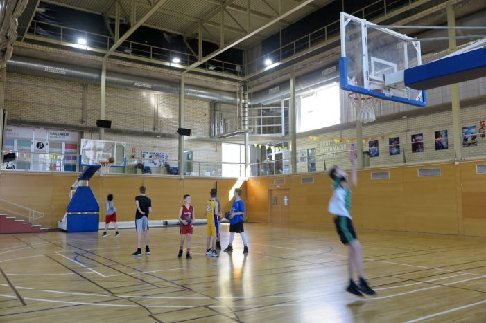 Una desena de joves participen en el campus de Setmana Santa del Bàsquet Girona a Platja d'Aro