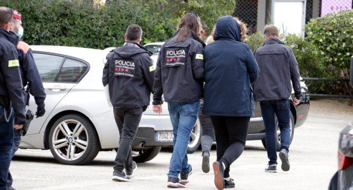 Almenys 200 detinguts en el macrooperatiu contra una xarxa que hauria falsificat almenys 1.800 carnets de conduir